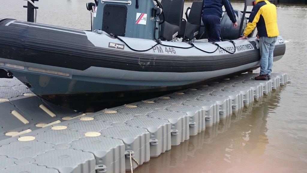 Embarcaderos flotantes